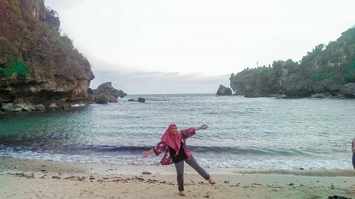 pantai ngrenehan gunungkidul